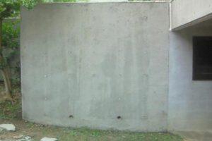 コンクリート外壁特殊洗浄&カビ再発防止のコーティング施工