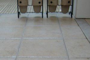 玄関床タイルの滑り止め施工&汚れ防止のコーティング